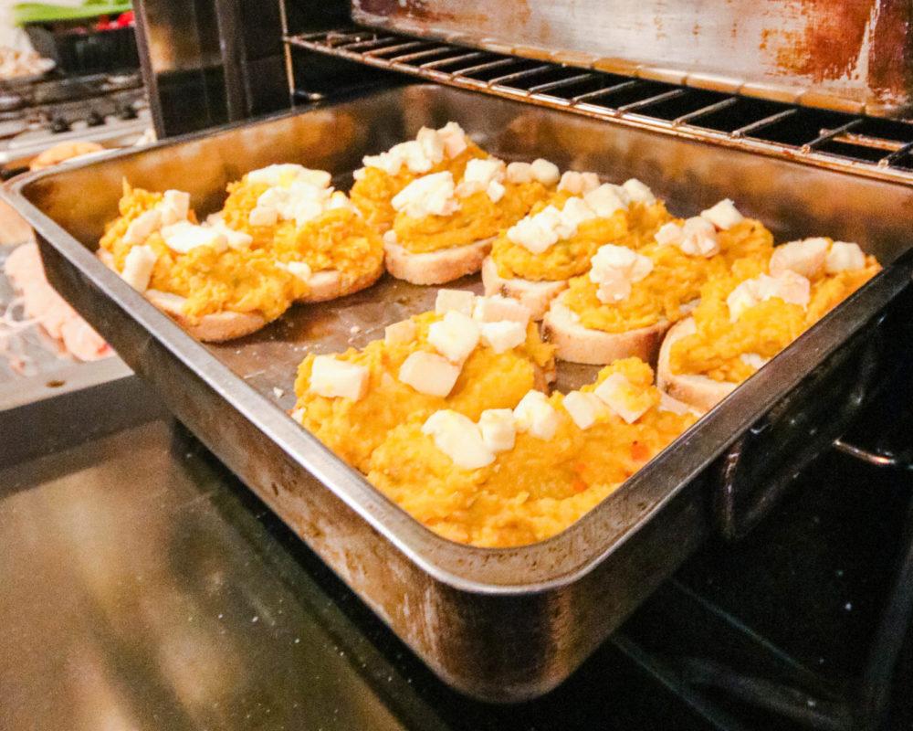 Bruschetta Recept Met Pompoen En Taleggio